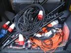 Kabel im Auto verstaut