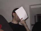[ICB]peter zeigt ein Stück Papier
