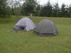 Die ersten Zelte werden aufgebaut.