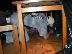 und Neo unterm Tisch, es hat nen Stromausfall gegeben