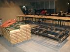 die letzte Tischreihe, noch verpackt